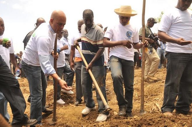 Prezidan Martelly ak Selil Pwodiksyon Agrikòl-Added COMMENTARY By Haitian-Truth