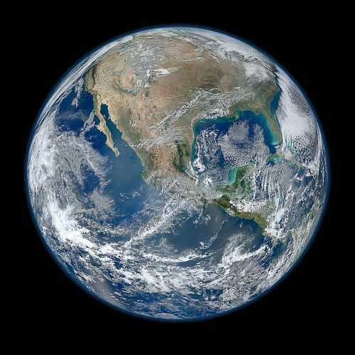 NASA Releases Amazing 64-MP 8000×8000 Photo of Earth