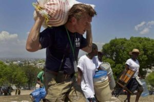 Nobel group honors Sean Penn for work helping Haiti quake victims