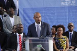 Haiti's Lamothe Arrives in Davos for World Economic Forum