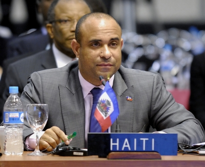 LAURENT LAMOTHE MAKES SPONTANEOUS – TRIUMPHAL MARCH FROM HIS OFFICE TO THE CEP – ACCOMPANIED BY SEVERAL THOUSAND PEOPLE – AND  RARA BANDS – TO FILE PAPERS FOR  HIS  RUN TO THE PRESIDENCY.  MARTELLY STILL WORKS TO HAVE CEP BLOCK CANDIDACY OF HIS FRIEND WHO FINANCED MARTELLY'S  PERSONAL VICTORY CAMPAIGN