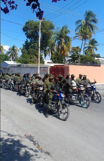 FORCES ARMEES D'HAITI GROUPS MOVE THROUGH PORT-AU-PRINCE TOWARDS THE PALACE – OPPOSITION ELEMENTS MURDER ONE SOLDIER
