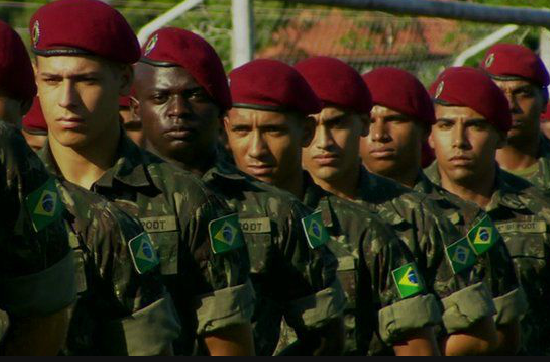 Zika virus: Brazil soldiers deployed to warn of risks