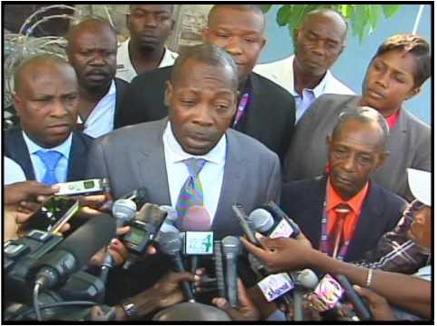 DANTON LEGER = ALCOHOLIC, LAVALAS, MOISE JEAN-CHARLES ACTIVIST, ANTI MARTELLY – LAMOTHE – PAUL FANATIC : SHOULD BE INSTITUTIONALIZED NOT GIVEN IMPORTANT POSITION