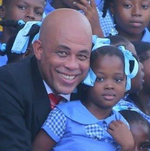 MICHEL MARTELLY WILL AUTOGRAPH BOOKS AT MIAMI DADE COLLEGE 18 MAY
