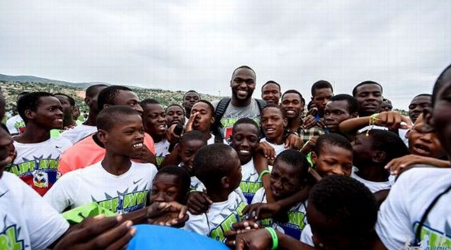 Cliff Avril makes good on sack promise, builds homes and school in Haiti