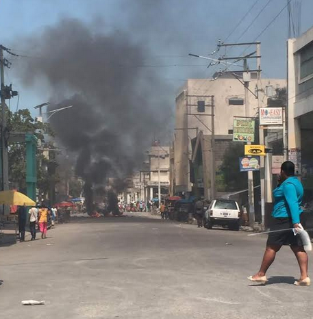Panique à Portail Léogane, Port-au-Prince – Added COMMENTARY By Haitian-Truth