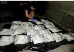 Five Haitians Held After Inagua Cocaine Find